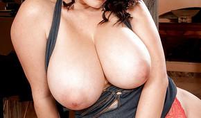Babes mit großen Brüsten