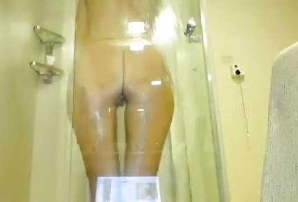Geiler Arsch unter der Dusche