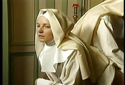 Diese Nonne liebt Fisting