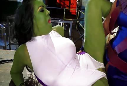 Ficken mit einer grünen Frau