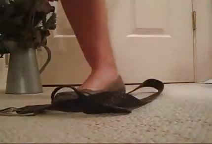 Er steht auf weibliche Füße