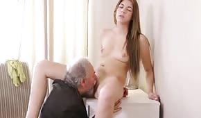 Sie treibt es mit ihrem Professor