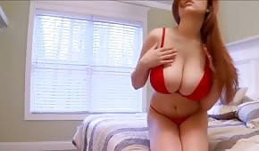 Tessa Fowler zeigt ihren Körper