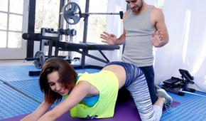 Sport mit einem sexy Trainer