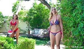 Sexy Bikini-Freunde
