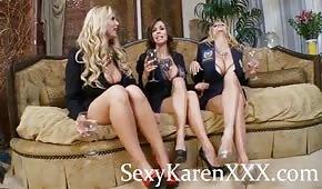 Formschöne Beine von drei sexy Damen