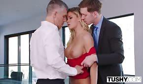 Reiche Männer entwickeln einen Pornostar