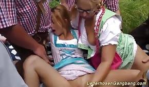 Sex im Wald mit deutschen Schlampen