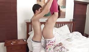 Morgenspass mit einer schwangeren Partnerin
