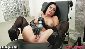 Brünette spielzeug sex arsch