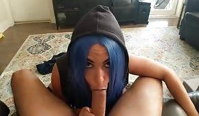 Blaues Haar ungezogenes Eis