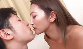 Analsex mit einer süßen Asiatin