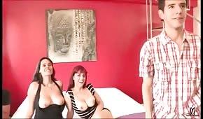 Gruppensex mit zwei spanischen Frauen