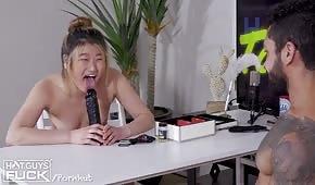 Pornospiel mit einem blonden Küken