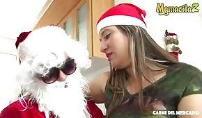 Weihnachtssex mit einer blonden Latina