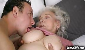 Er küsste die Pipette der unterwürfigen Oma